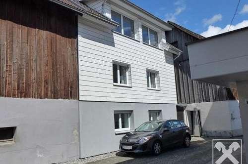 Liebevoll renoviertes Wohnhaus in zentraler Lage!