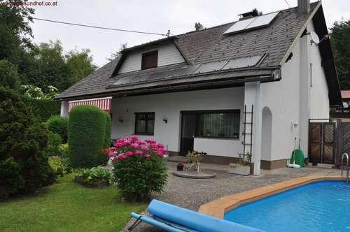 13 km von Linz-Auhof: Ruhig gelegenes, top gepflegtes Einfamilienhaus mit traumhaftem Garten und Pool