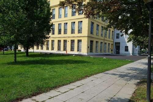 Ruhig gelegene Loft-Wohnung mit Tiefgaragenplatz, Stellplatz und Lift!