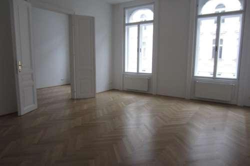 Altbauwohnung, 2 Zimmer, Nähe Hoher Markt