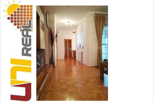 - UNI-Real - Familienparadies mit Loggia und Stellplatz!
