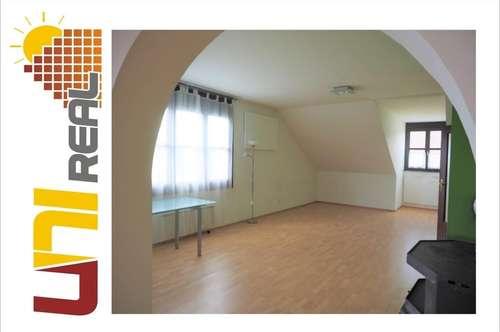 - UNI-Real - Großzügige Obergeschosswohnung mit Garten