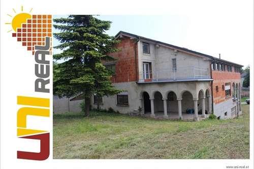 - UNI-Real - Dornröschenhaus sucht neuen Besitzer