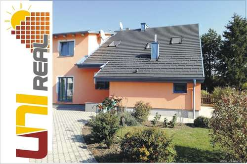 - UNI-Real - Top saniertes Doppelhaus in BESTLAGE