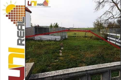- UNI-Real - Das Haus mit sehr großem Garten