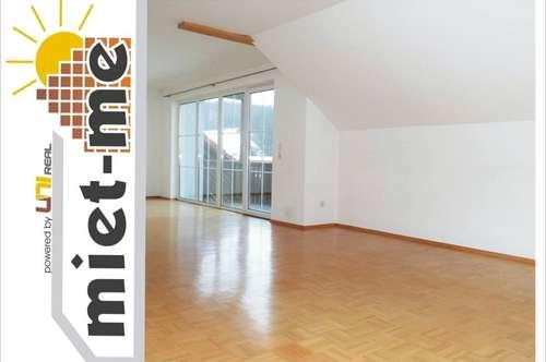 - miet-me - Große und helle Dachgeschoßwohnung mit traumhaften Ausblick sucht neuen Mieter!