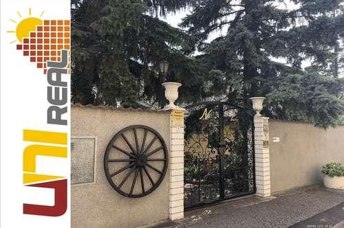 - UNI-Real - gepflegtes Stadthaus mit Garten