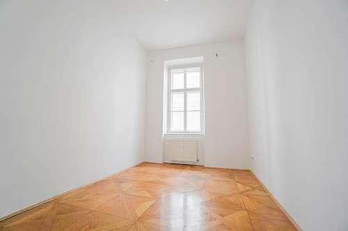 Zentrale Altbauwohnung mit  3 Zimmer und ruhigem Balkon