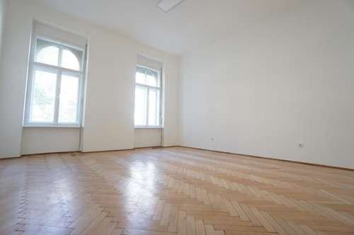 ALTBAUTRAUM- neu sanierte 3-Zimmer-Wohnung in Top Lage