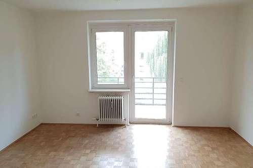 Neu sanierte 4-Zimmerwohnung in ruhiger Lage mit Balkon