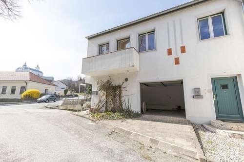 Großes Ein-/Mehrfamilienhaus mit traumhaftem Burgblick!