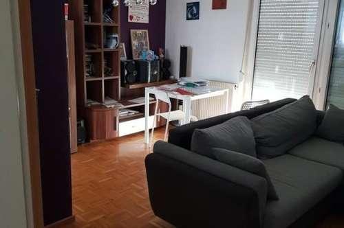 Schöne 2 Zimmer Wohnung zu vermieten!