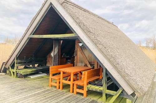 Romantische Seehütte