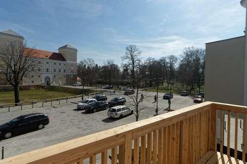 Top sanierte Zweizimmerwohnung direkt am Schlossplatz von Wolkersdorf - Top 4