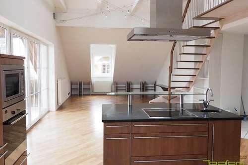 Edel und Elegant! 5 Zimmerwohnung im Dachgeschoss eines kleinen Mehrparteienhauses!