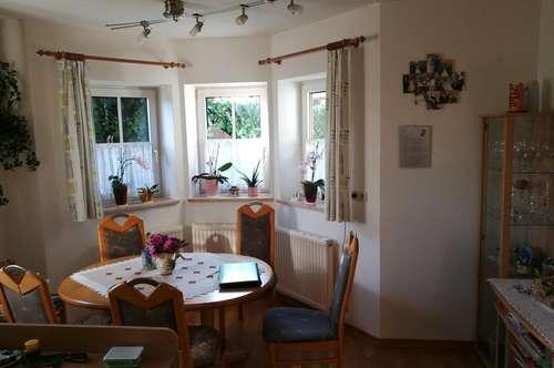 2 Zimmer Gartenwohnung mit großzügiger Terrasse und kleinem Garten
