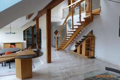 Luxuriöse loftähnliche WG- Wohnung oder (StudentenWG-Loft) für besonderes Wohnen im Dachgeschoß