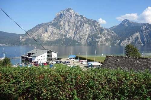 Großzügiges Einfamilienhaus mit See- und Gebirgsblick