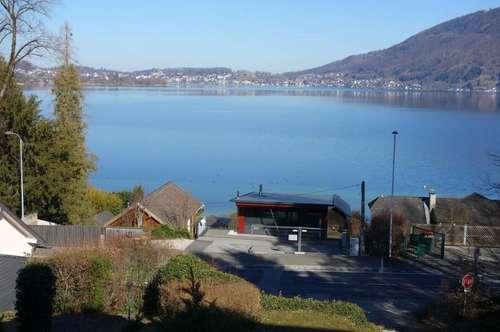 Schmuckes Einfamilienhaus mit unverbaubarem See- und Gebirgsblick