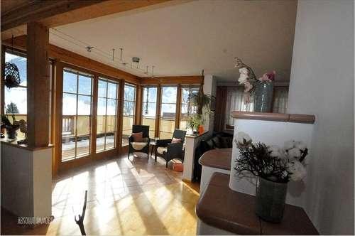 Schönes, großzügiges Einfamilienhaus in Top-Zustand mit Garage, Garten und Balkon. Zentrale Lage!