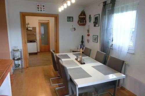 Herziges Haus BJ 2002 mit sonnigen Garten nähe Klopeinersee, 2 Terrassen, 2 PP