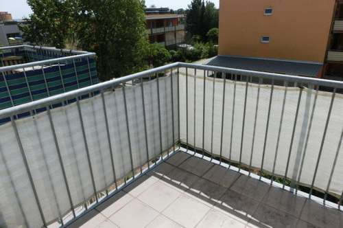 Wetzelsdorf, schöne sonnige Wohnung mit Balkon und TG