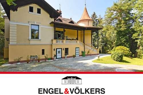 Herrschaftliche Villa in idyllischem Park