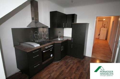 neu renovierte Wohnung mit Küche zu vermieten