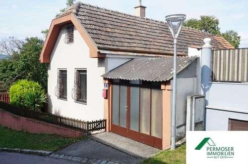 kleines Einfamilienhaus, sehr gepflegt, mit großem Kellerstüberl und Garage