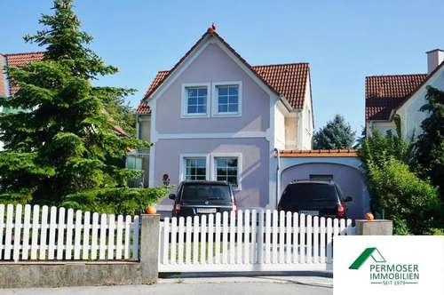 großzügiges Einfamilienhaus mit vielen Extras wie Wintergarten, Kamin, Sauna, etc;