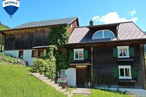 Zwei Wohneinheiten im Herzen des Klostertals zu verkaufen.