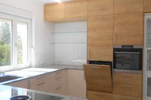 Sonniges Familienhaus, teilweise neu saniert, - 2 Wohneinheiten möglich!