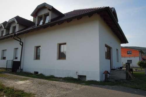 Zweifamilienhaus in Gottsdorf - unverbaubarer Donaublick!