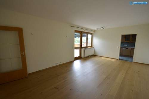 Wunderschöne 3-Zimmer Mietwohnung mit Dachterrasse in ruhiger Lage
