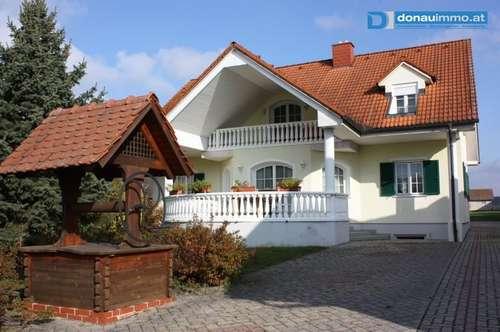 Großes Wohnhaus - vielseitig verwendbar (wohnen und arbeiten)