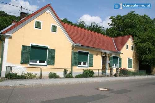 Schöner Vierkanthof mit großem Obstgarten nahe Stegersbach