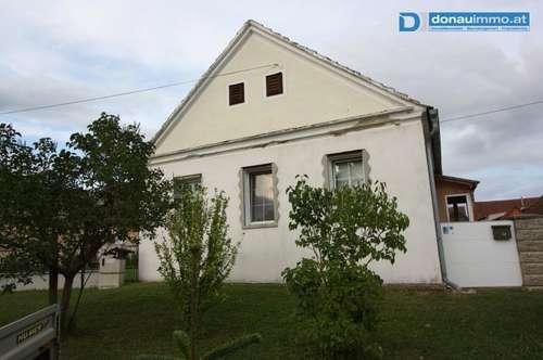 Streckhof mit Nebengebäude und Scheune im Südburgenland