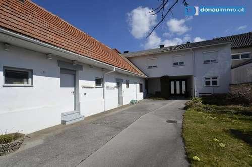 Gemütliches Wohnhaus mit Nebengebäuden in guter, sonniger Lage in Neutal
