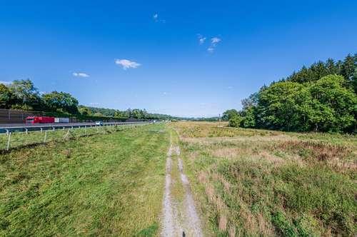 13 ha großes Grundstück direkt an der A2 Süd-Autobahn