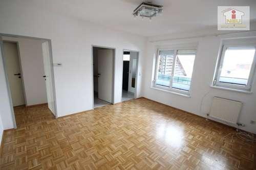 Schöne 2 Zi Wohnung in Tessendorf mit Balkon und Parkplatz