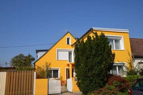 Großzügiges, Ein- oder Zweifamilien- Haus in Rabensburg, Zugang von 2 Staßen