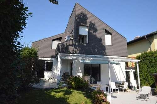 Repräsentatives Einfamilienhaus mit Pool, Garage und Vollkeller