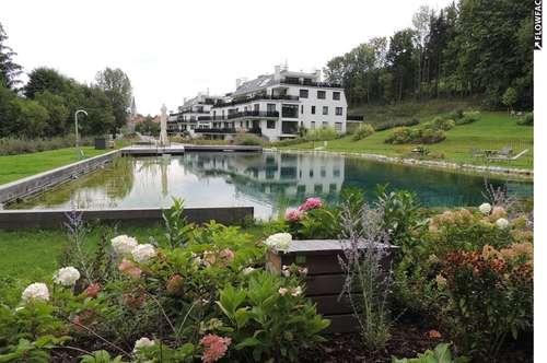3400 Klosterneuburg, LUXUSANLAGE auf 13.000m2 Parkgarten mit 350m2 Pool, 151m2 mit 40m2 Terrasse, 599m2 Eigengarten und 2 PKW Garagenplätzen, NIEDERENERGIE! Euro 720.000.--