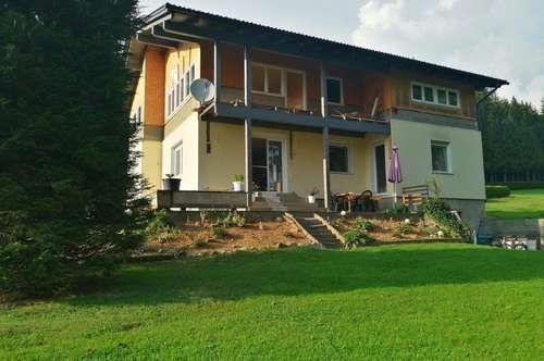 Landhaus für zwei Familien in Ruhelage