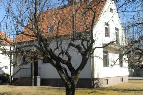 Einfamilienhaus mit 160 m² Wohnfläche  auf großem Grundstück mit Platz für ein weiteres Haus