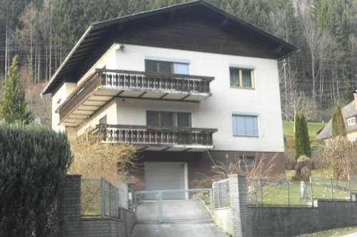 Gepflegtes Zweifamilienhaus in sonniger Lage
