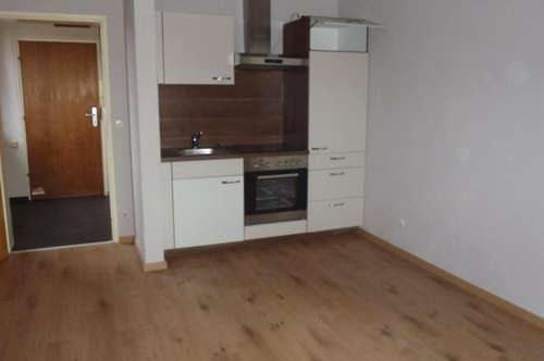 9020 Single Wohnung Nähe UKH
