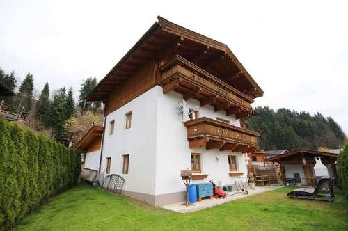 Großzügiges Tiroler Landhaus mit zwei Wohneinheiten, fußläufig ins Zentrum und zum Skigebiet