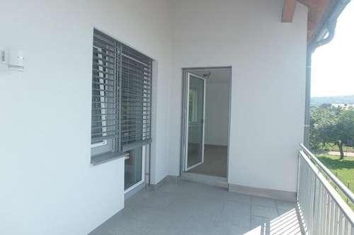 MAUTERN - Sofort beziehbare Terrassenwohnung mit Lift und überdachtem Parkplatz in Topzustand