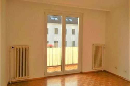 Helle, sonnige 4-Zimmer Wohnung mit Balkon in Krems-Zentrum